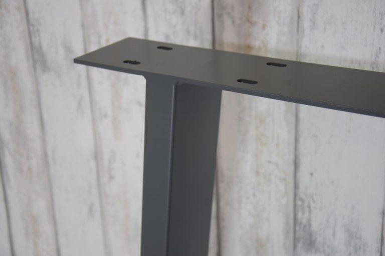 Tafelpoot van staal detail
